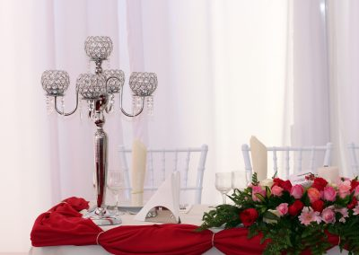 table-1521277_1920