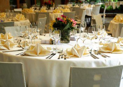 tablecloth-3336687_1920